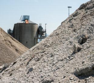cement stockpile blending