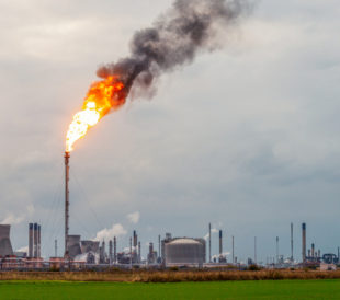 How Petrochemical and Organic Chemical Sectors Can Comply with Flare Gas Rules