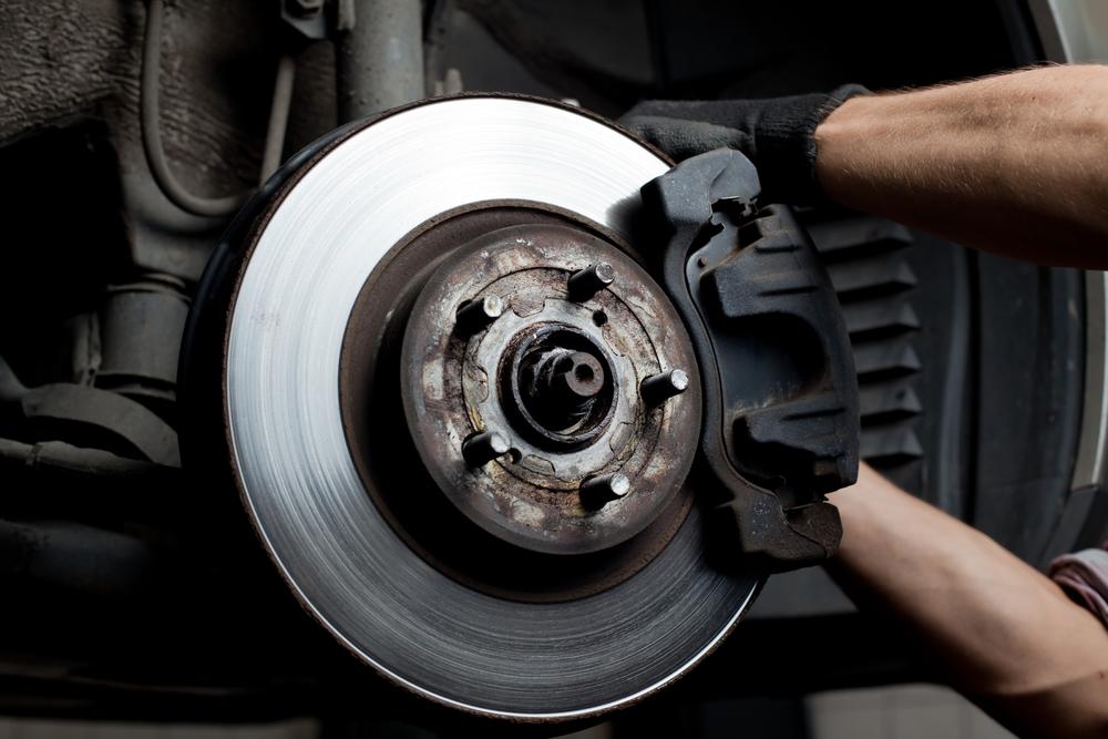 How Can EDS Analysis Keep Automotive Brake Pads Safe?